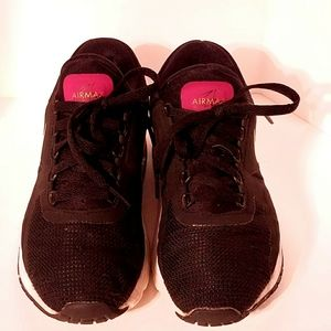 Nike Air max Size 5Y. Black, pink, gold.